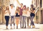 Φίλοι: Είναι πιο σημαντικοί από τους συγγενείς όταν μεγαλώνουμε